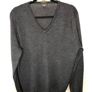 J. Crew gray men's v-neck sweater